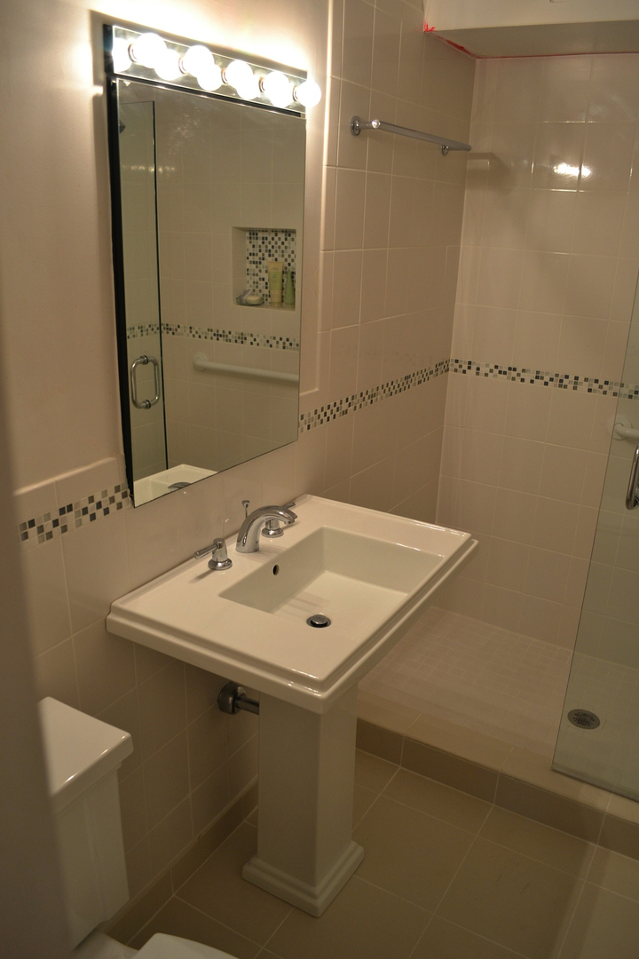 Gilliam Bathroom - 2