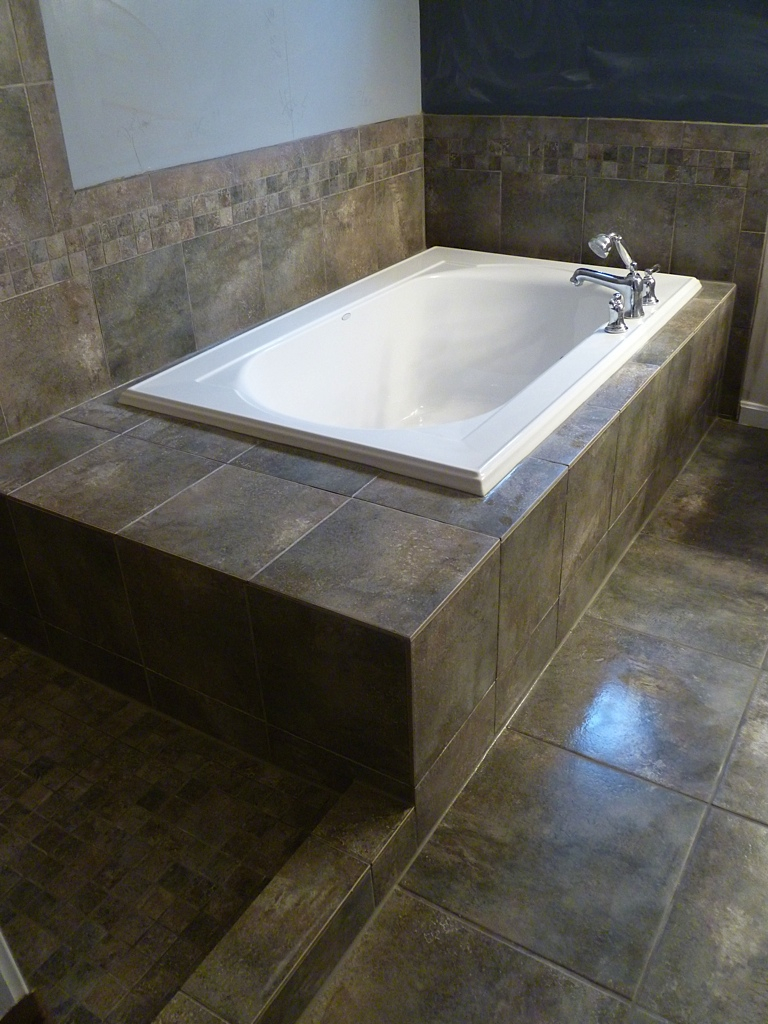 Lou Bathroom - 5