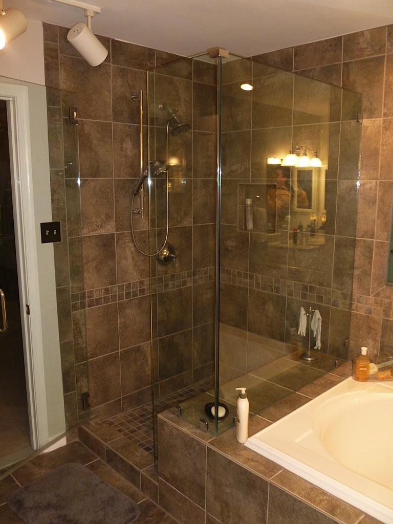 Lou Bathroom - 9