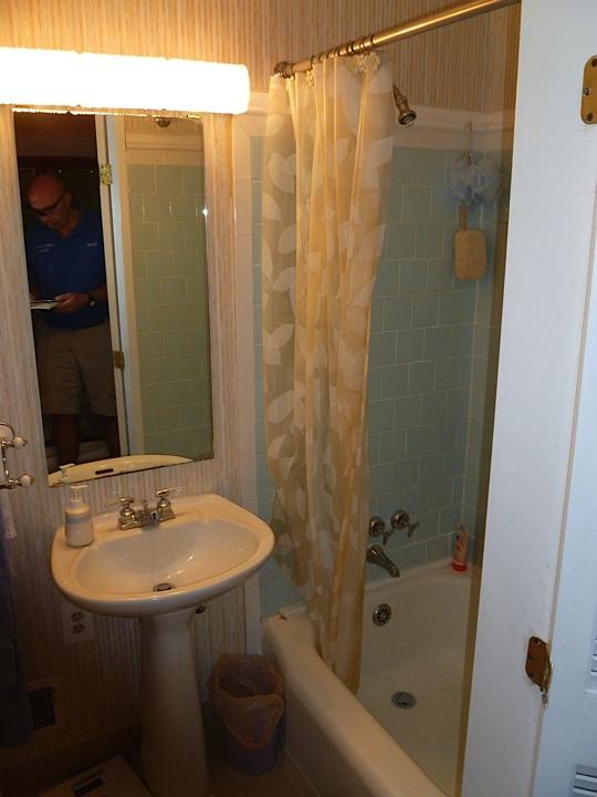 McLean 1 Bathroom - 17