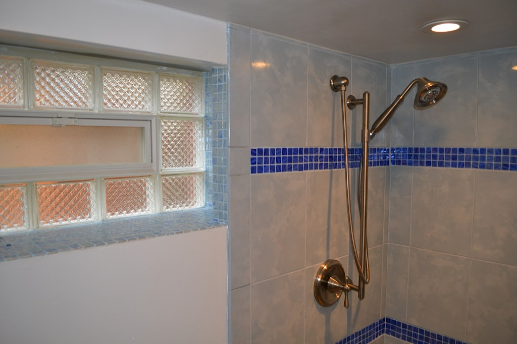 Pete Bathroom - 2