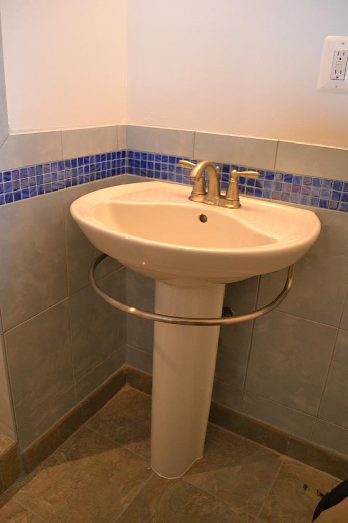 Pete Bathroom - 9